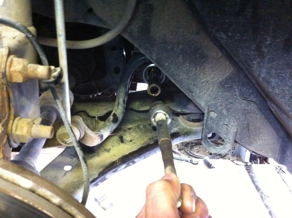 Замена средней рулевой тяги ниссан тиида Замена лампы противотуманной фары f15