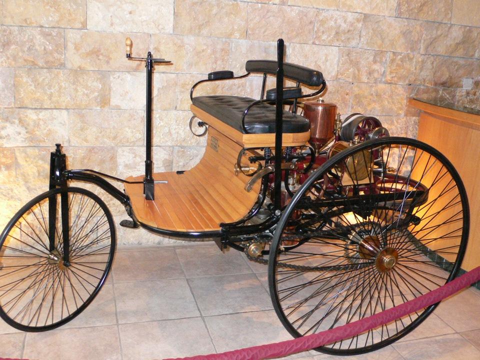 фото первый автомобиль в мире