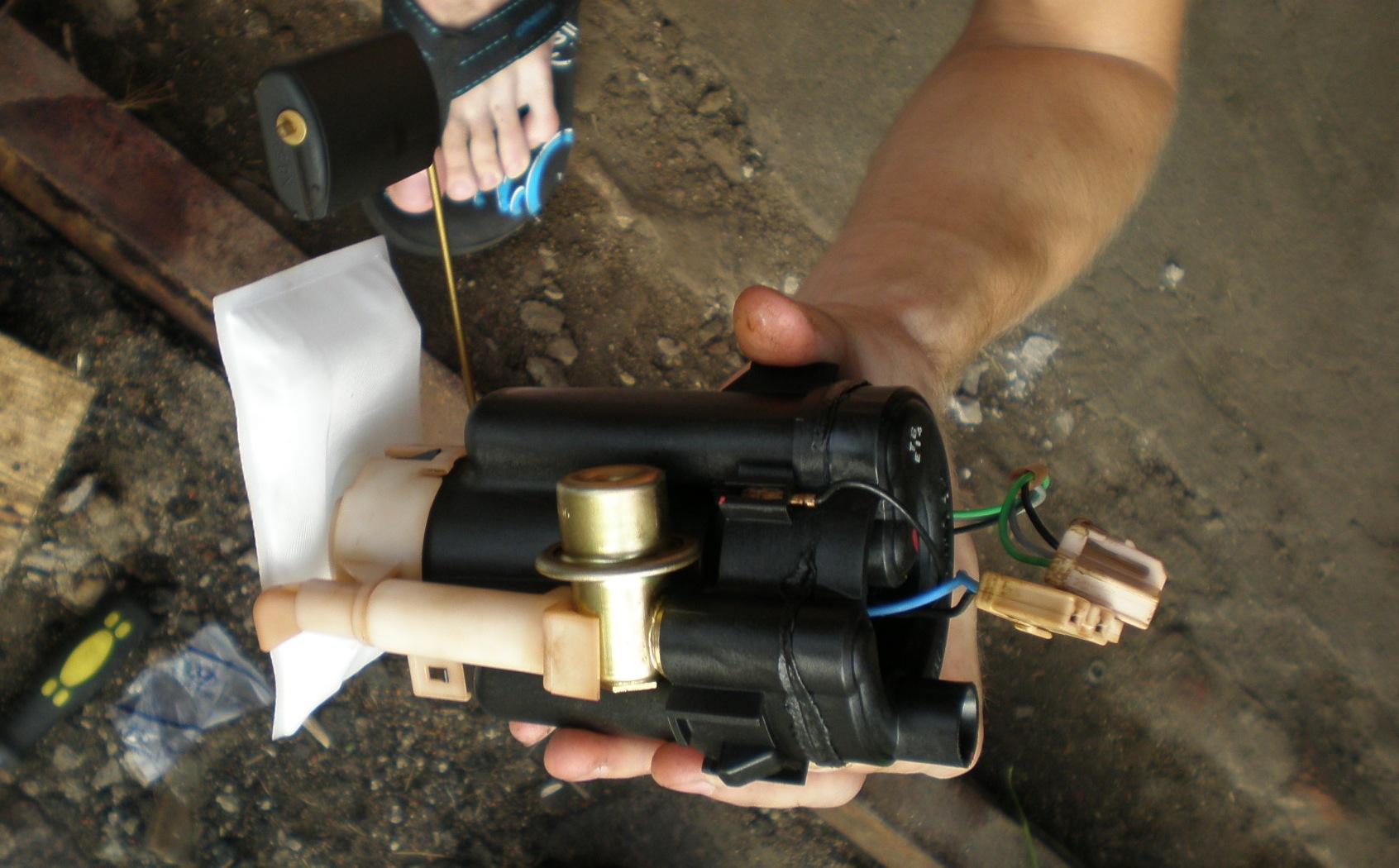 Топливный фильтр на гетце где находится