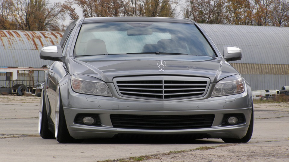 Mercedes benz c class so low drive2 for Low cost mercedes benz