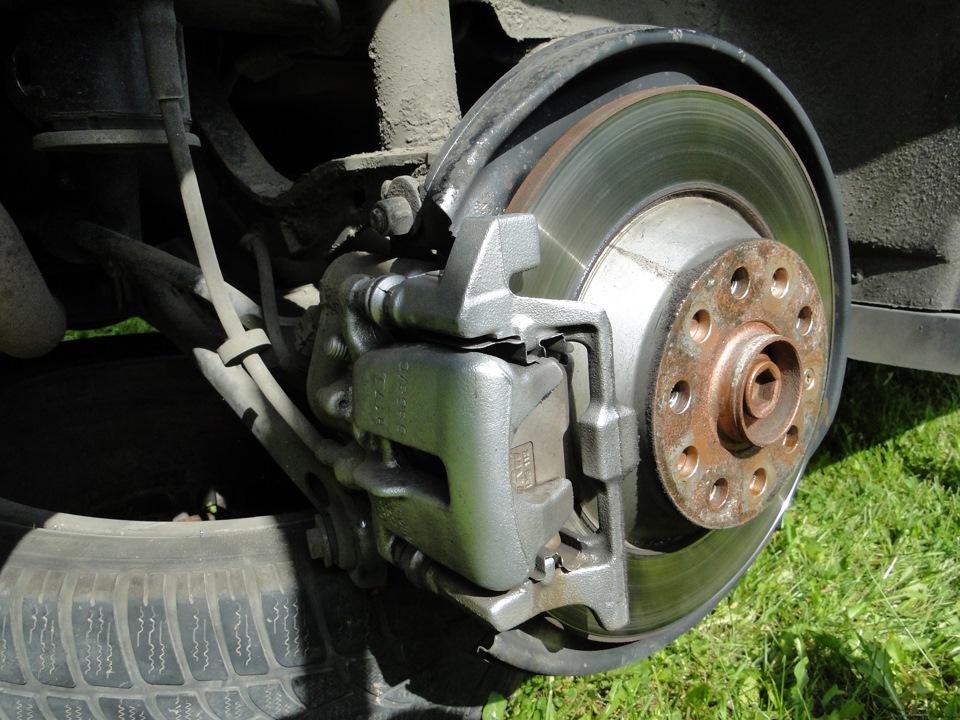 ⇚54⇛Замена Задних колодок  VAG-COM адаптация ручника  — Audi A6