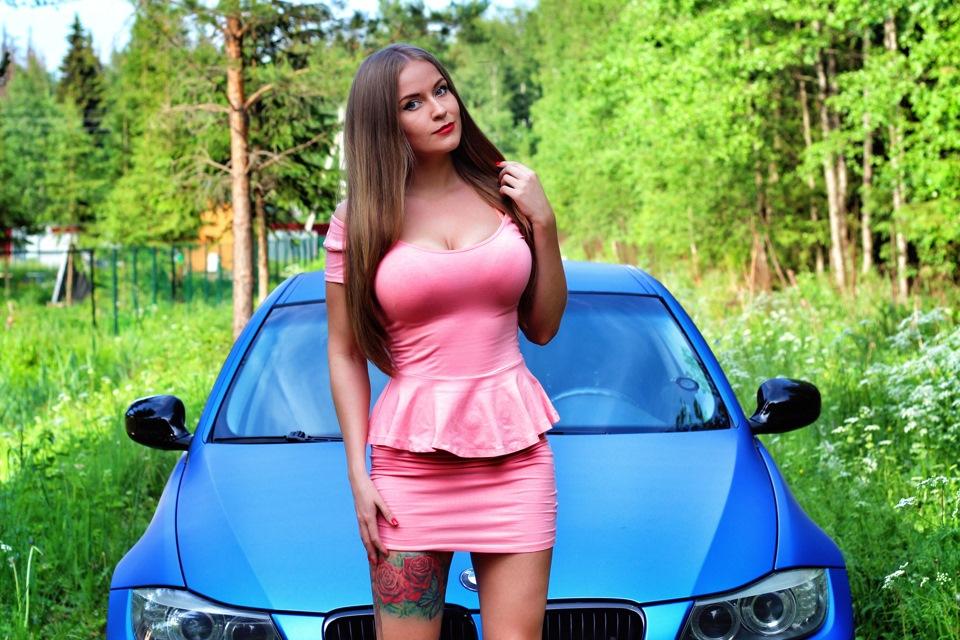 Big tit MILF masturbates in car - XVIDEOS. COM