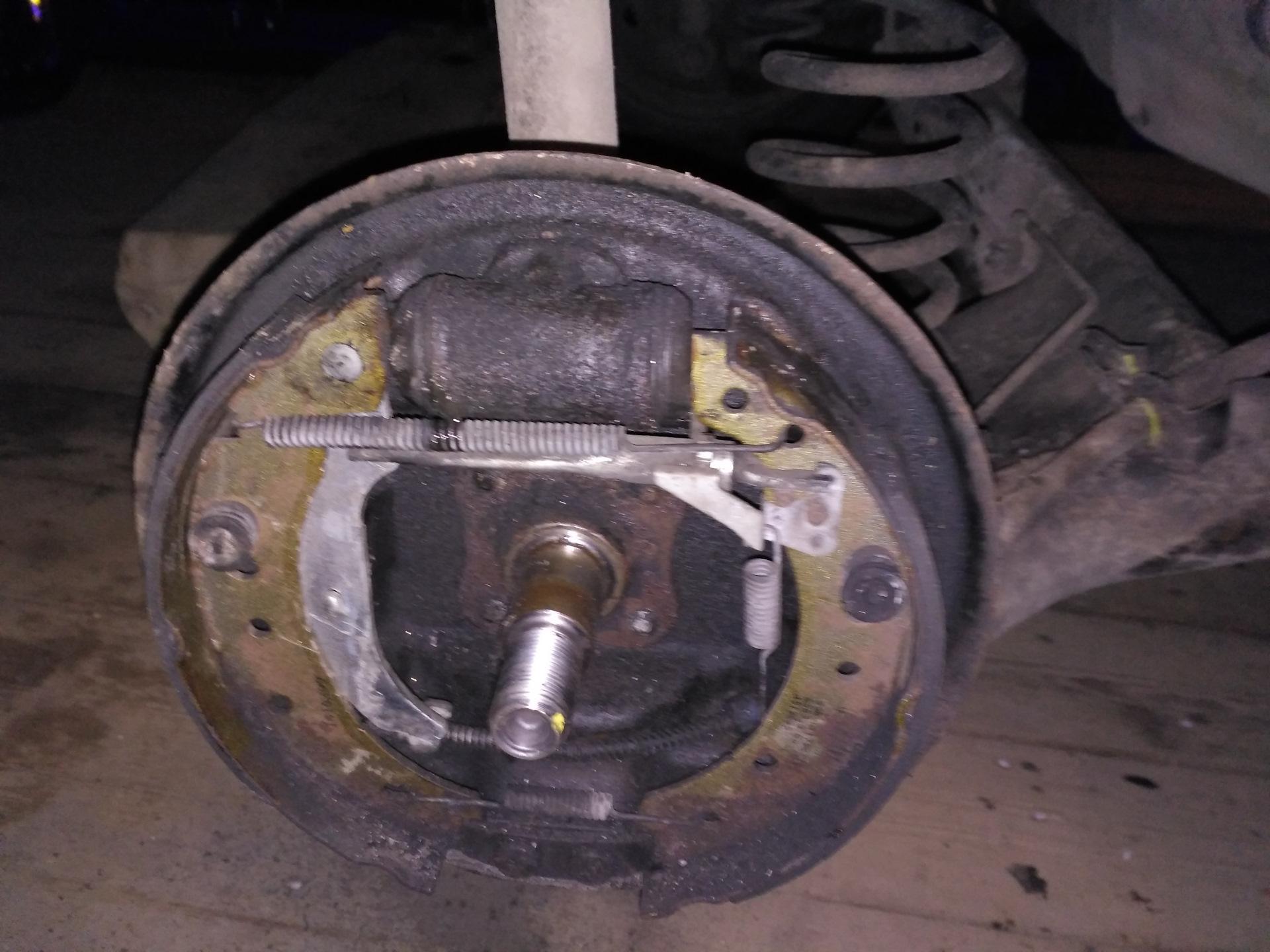 Замена тормозного цилиндра рено логан Замена рычага переключателя поворотника бмв х5
