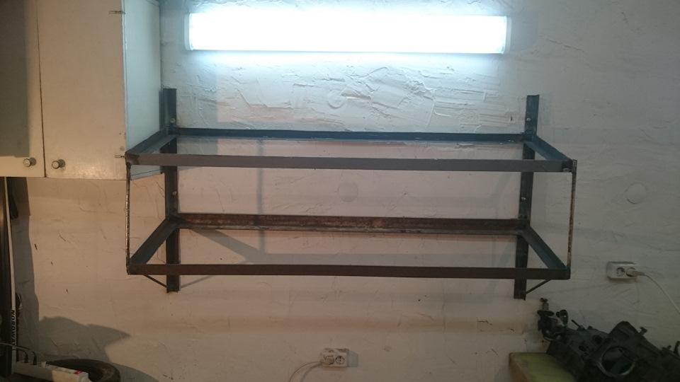 Полка навесная в гараж своими руками из металла 21