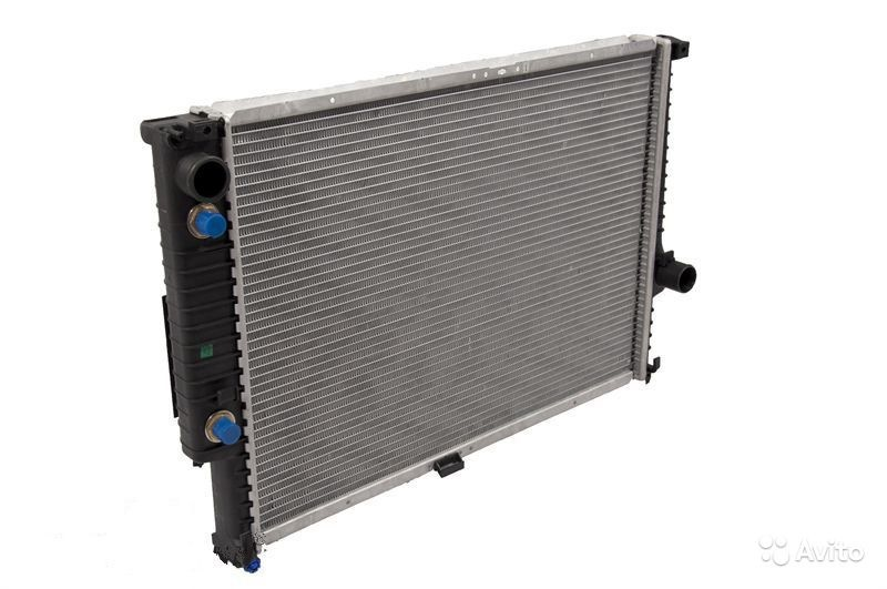 какие радиаторы охлаждения ставится на bmw е34?