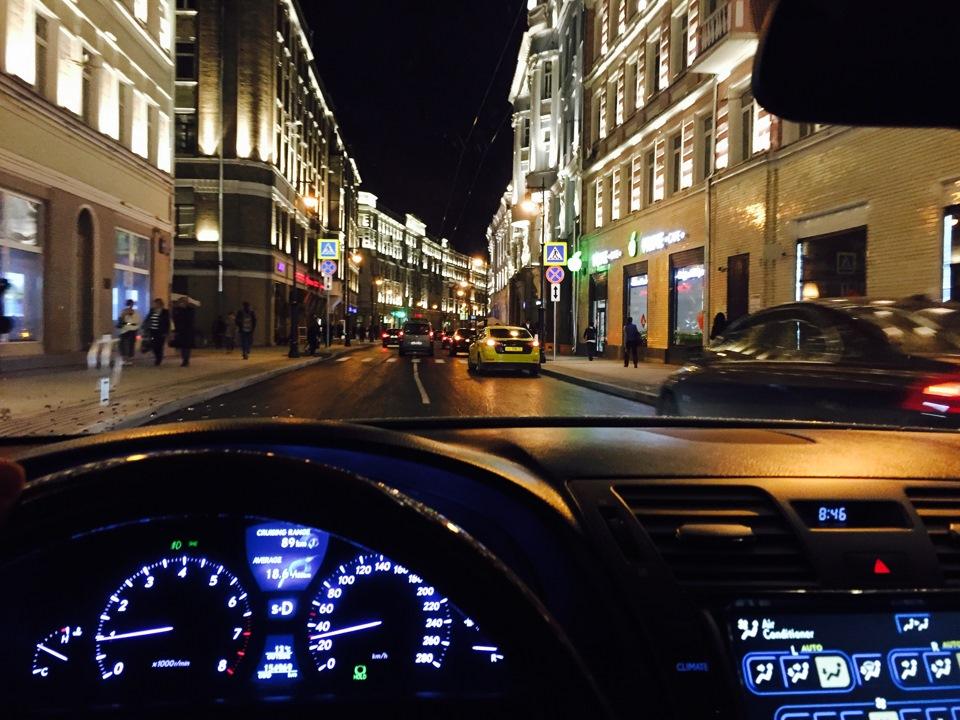 поделитесь фото ночной москвы из машины летом только