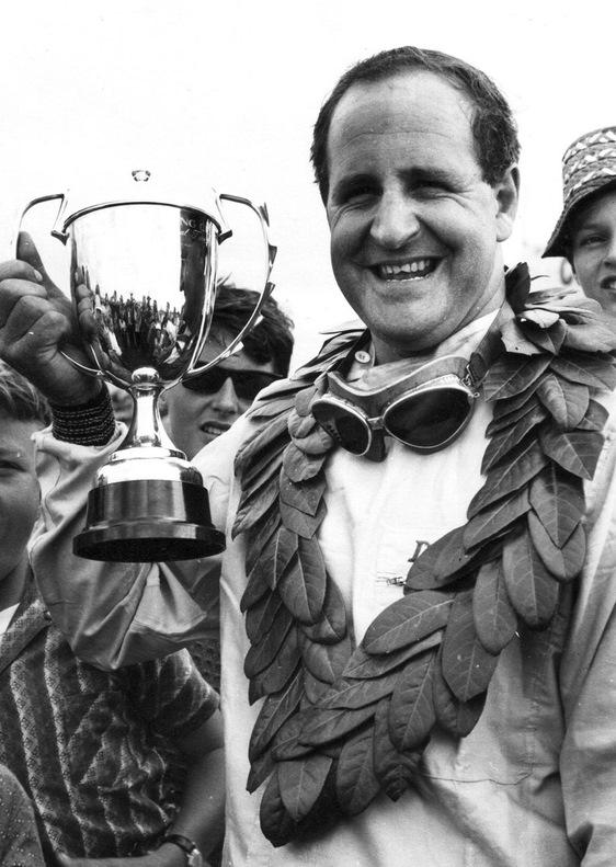 Деннис Хьюм — Чемпион мира 1967 года
