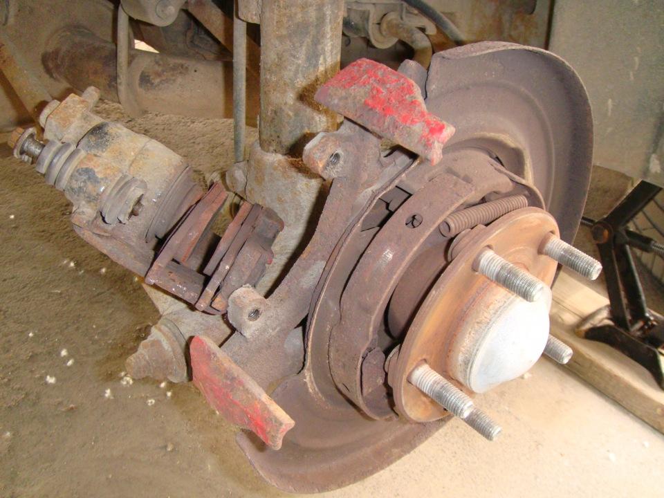 Замена задних тормозных барабанов, колодок . - бортжурнал Dodge Intrepid Серебрянный Доджик 2000 года на DRIVE2