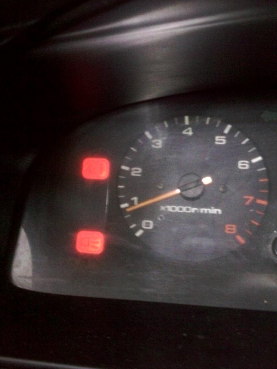 mazda 626 загорелся датчик ручного тормоза