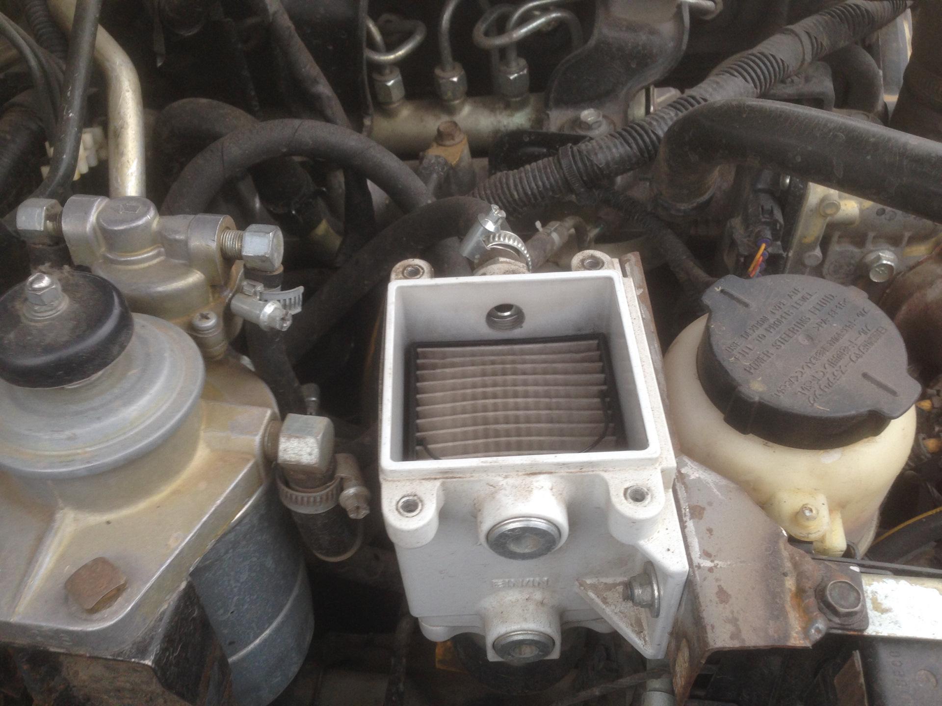 Ниссан np300 замена топливного фильтра