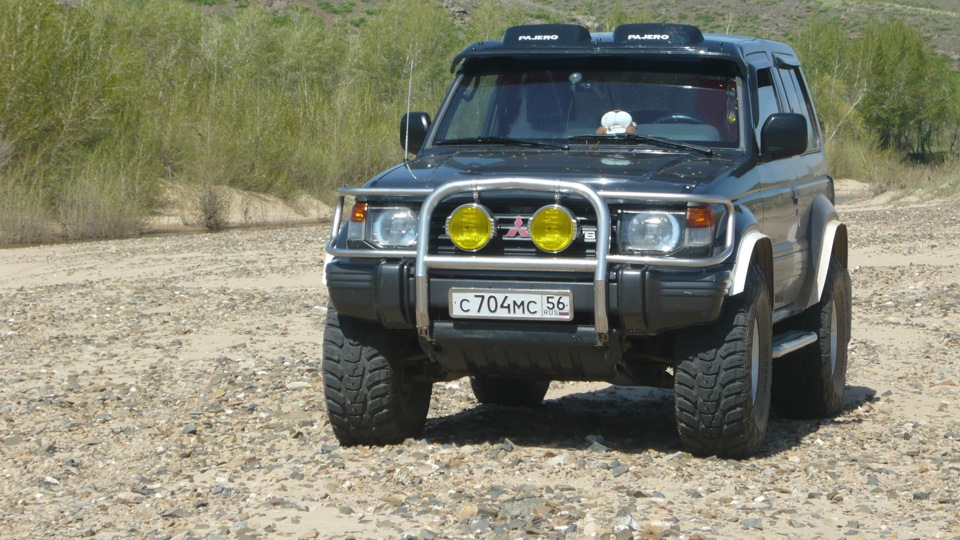 mitsubishi pajero 1 тюнинг на 33 колесах