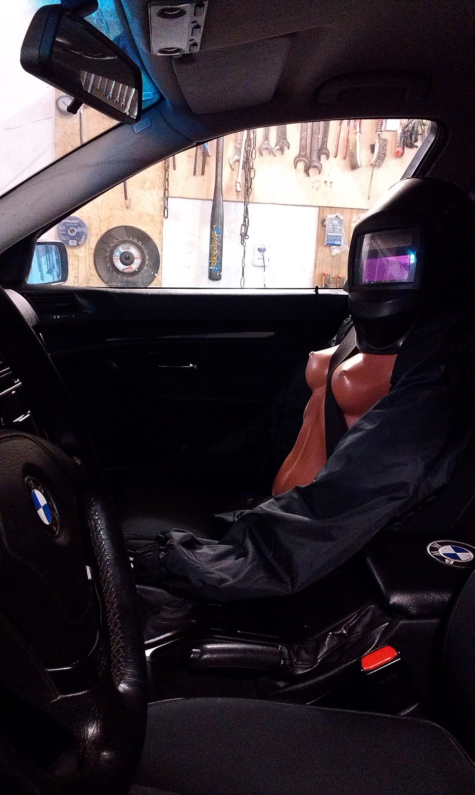 BMW e36 не заводится не крутит стартер