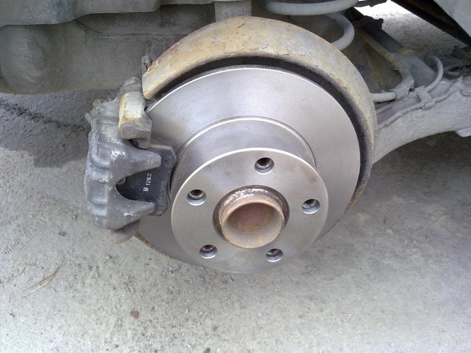 Замена колодок пассат б5 Замена отводящего шланга радиатора форд фьюжен