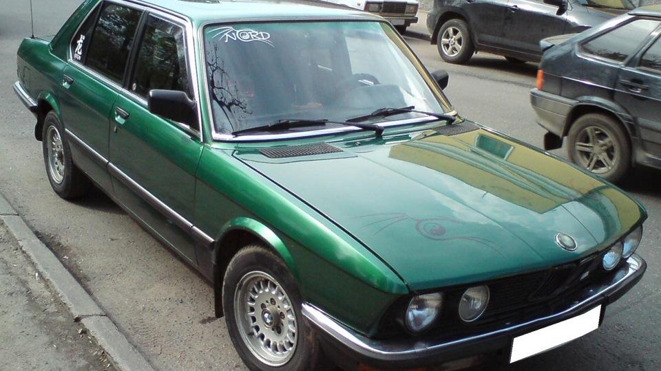 Зелёный металлик цвет