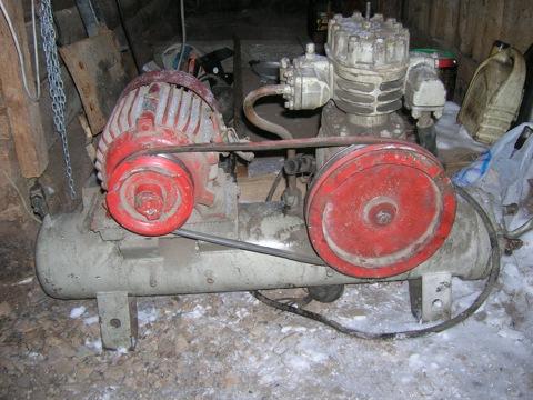 Компрессор холодильной установки ФВ6 производительность 512 л/мин при 1440 об/мин; эл. двигатель АО2-32-4-С2 380 В...