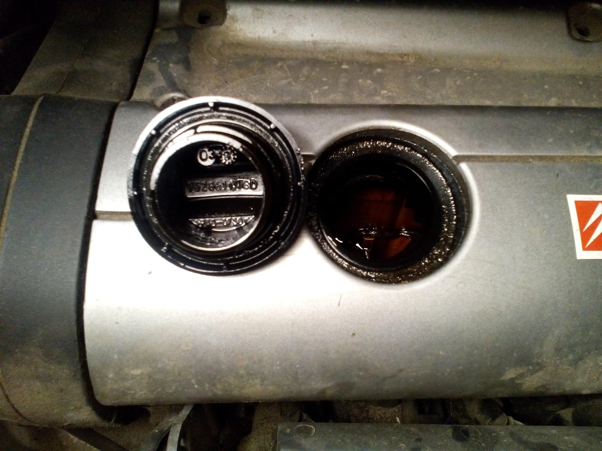 ситроен ксара пикассо уходит масло из двигателя