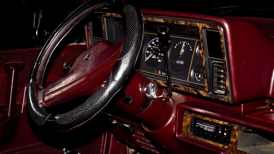 Dodge Caravan TurboBus