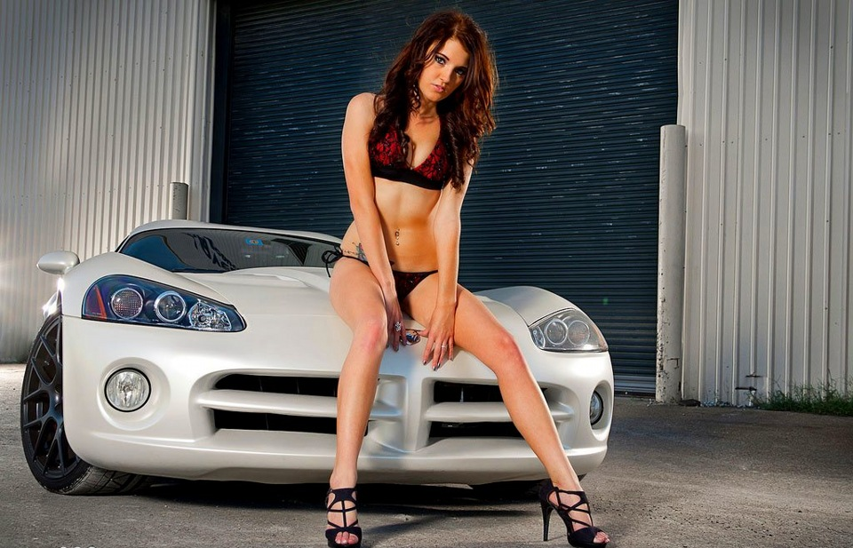 Naked girls on dodge chargers — photo 10