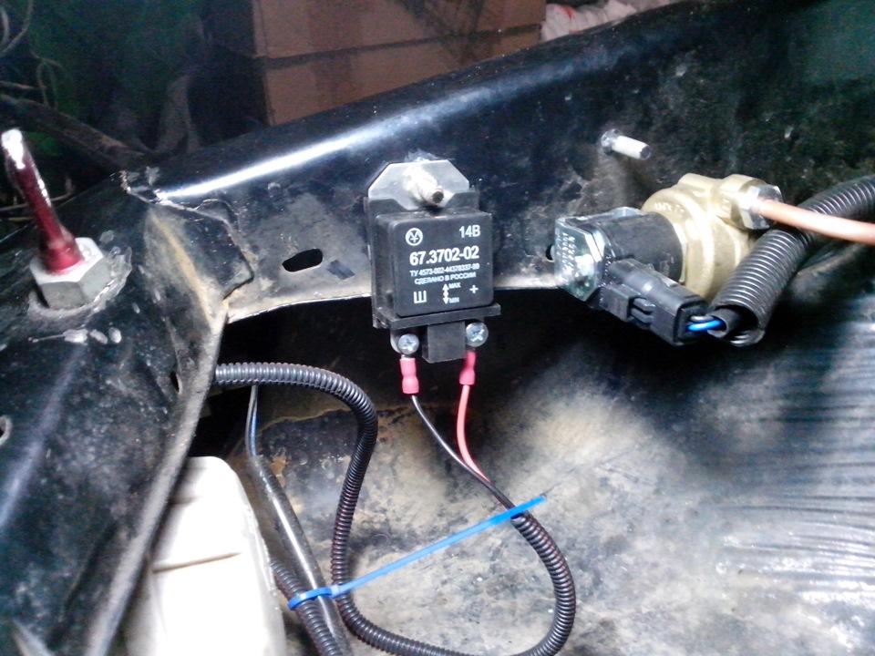 Фото №15 - ВАЗ 2110 замена регулятора напряжения