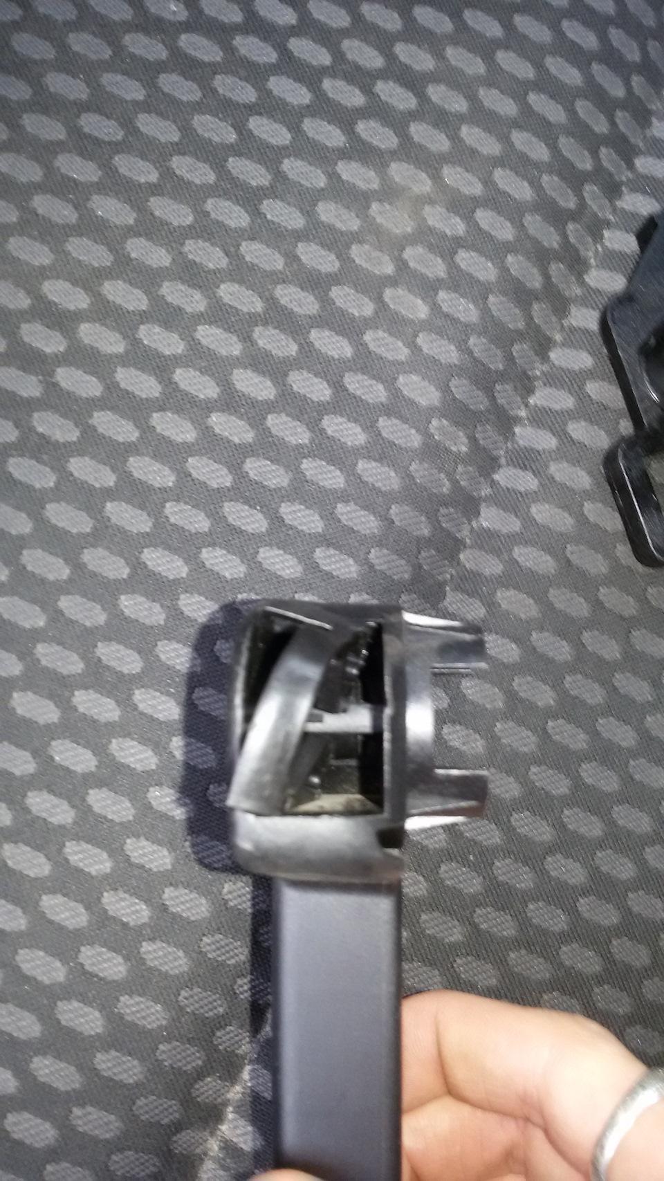 Сломалась ручка открывания капота