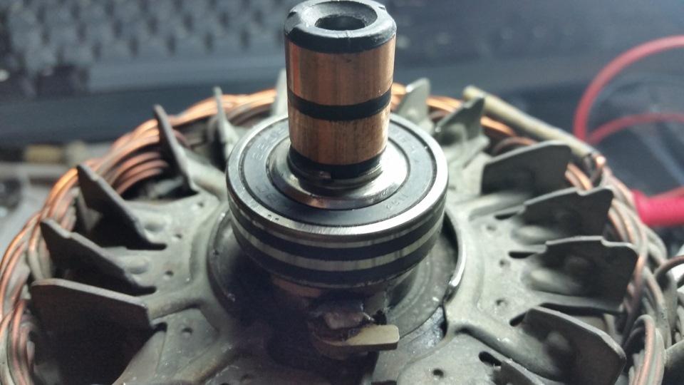 Фото №12 - ВАЗ 2110 замена регулятора напряжения