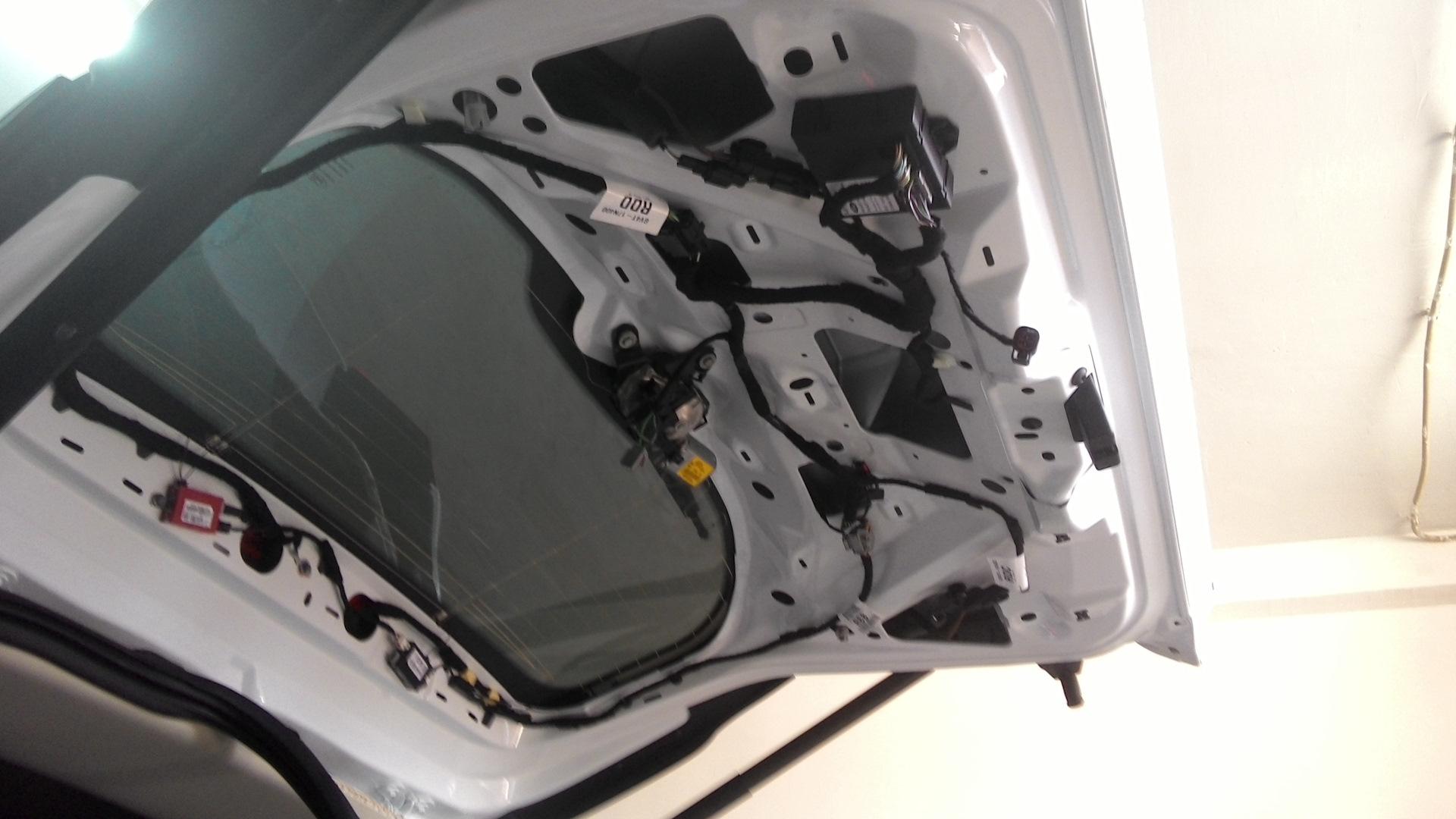 камера заднего вида на ford kuga
