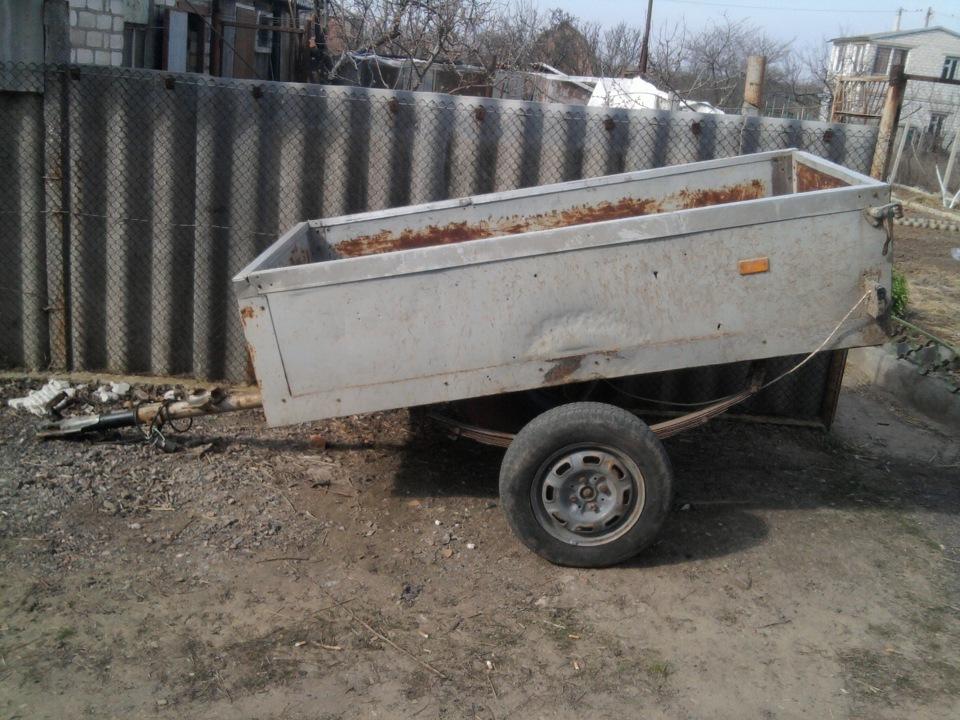 У мешканця Голопристанського району невідомі викрали автомобільний причеп, який чоловік залишив на полі