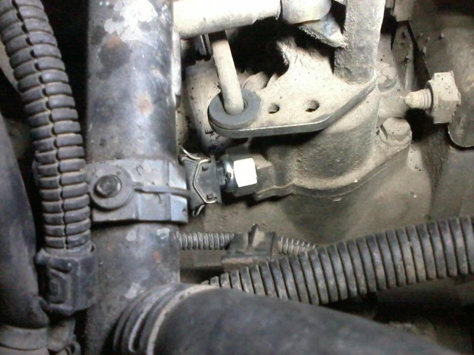 Где находится датчик заднего хода на фольксваген транспортер т5 моторчик печки транспортера т4