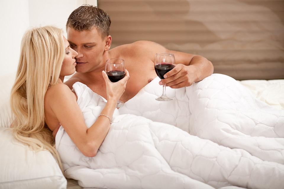 Фото девушек в спальне с мужем вообще
