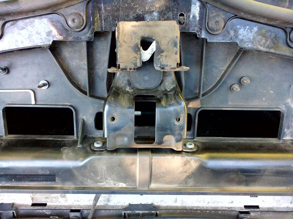 ремонт тросика капота bmw e87