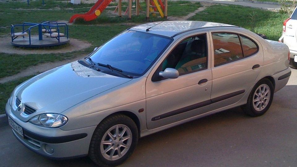 рено меган 1998