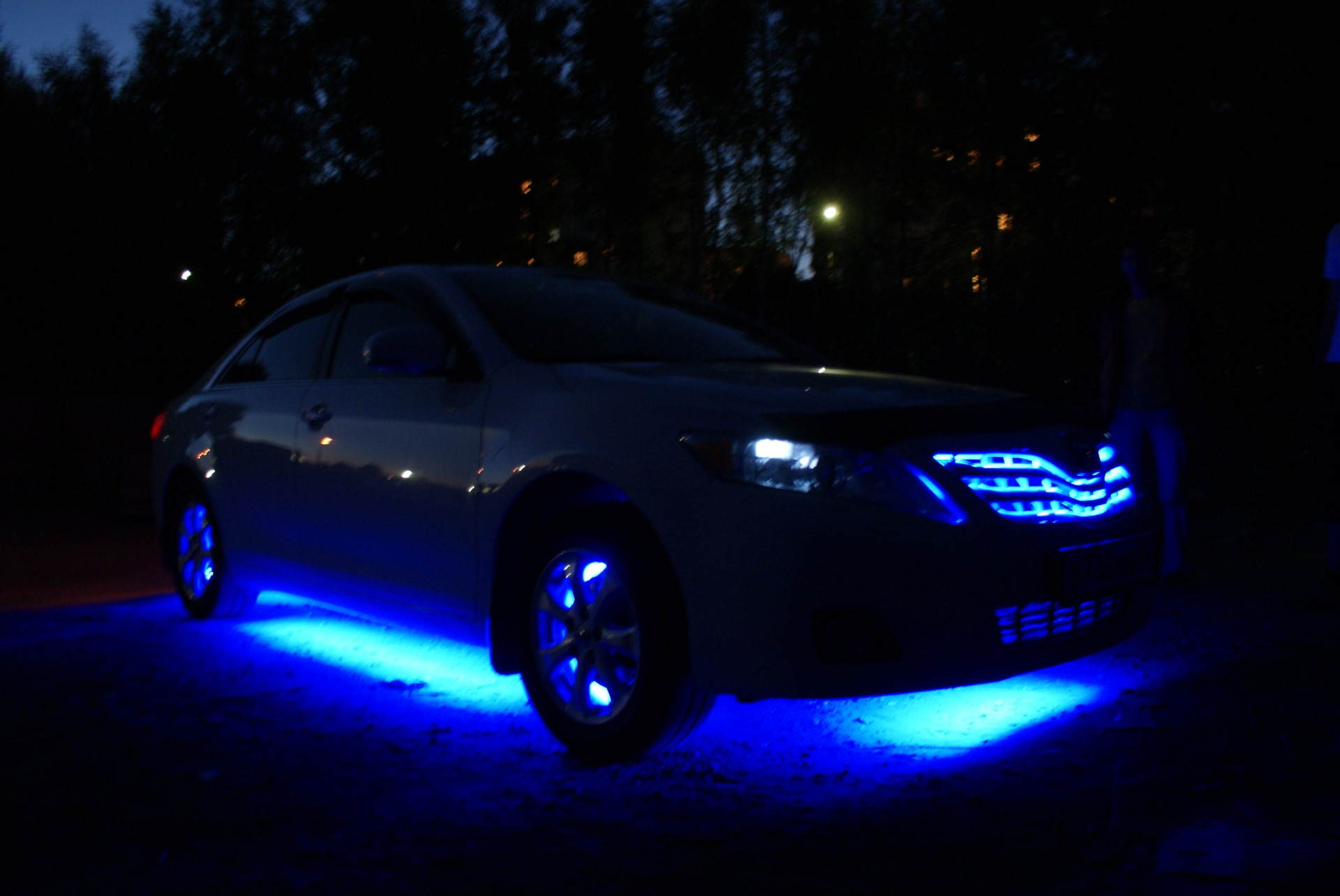 Светодиодная подсветка в машину своими руками