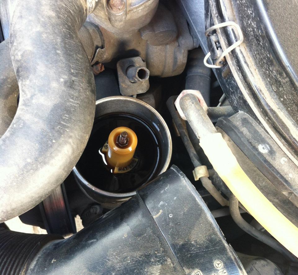 как поменять масло в двигателе на мерседес 124