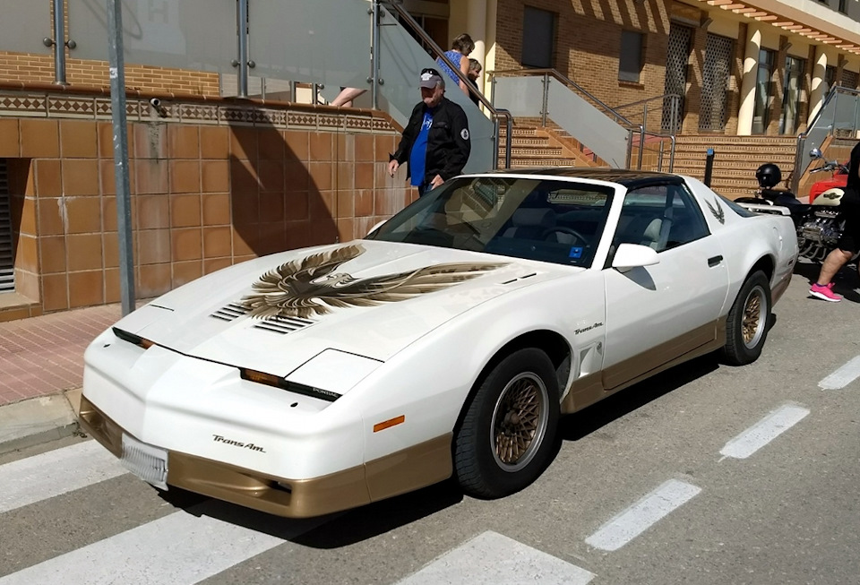 Pontiac Firebird Trans Am 1986