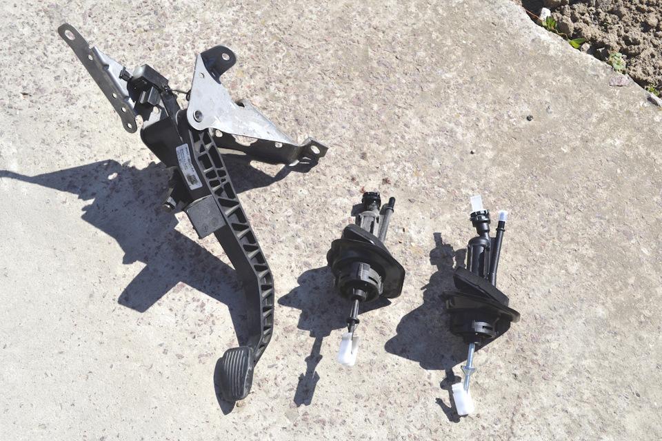 Снятие главного цилиндра сцепления форд фокус 2