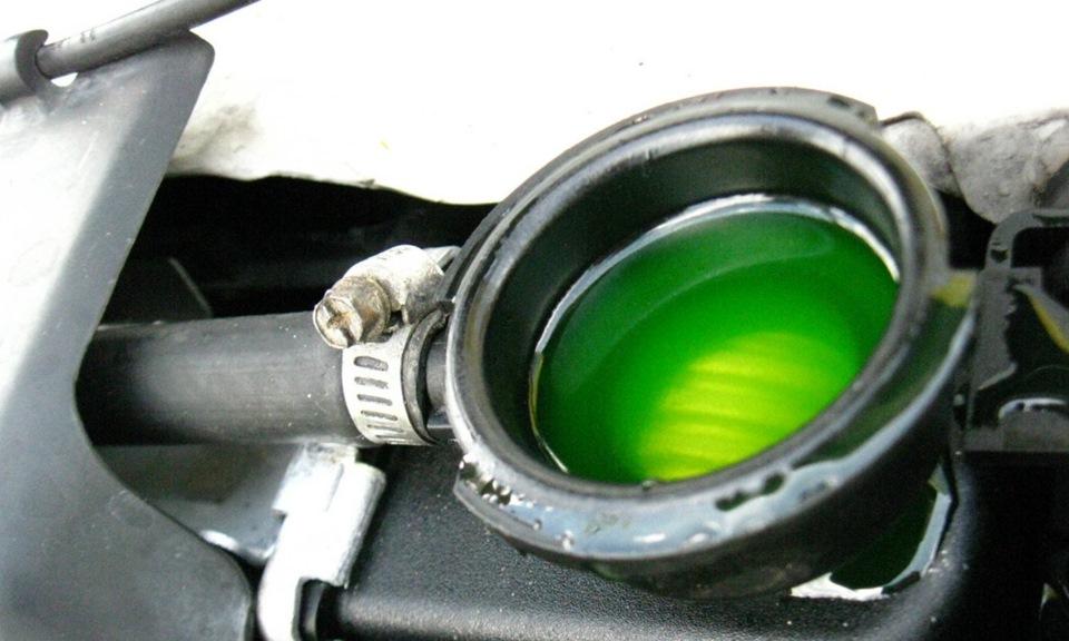уровень масла в гидроусилителе BMW e39