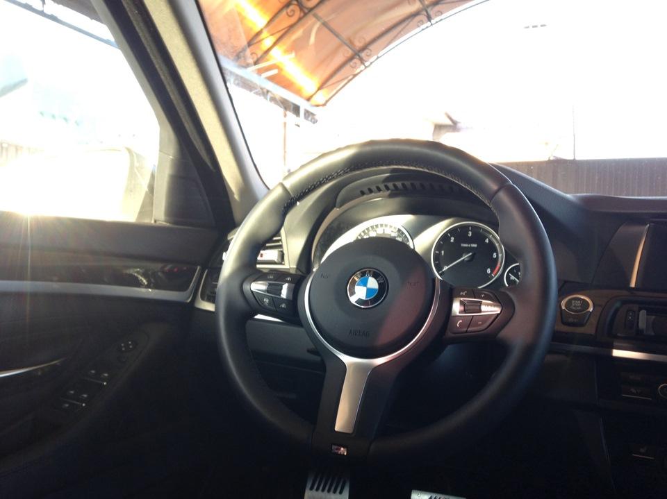 Спортивный руль в БМВ Ф10