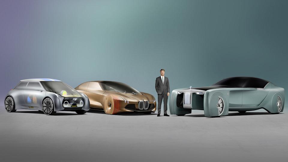 Когда недавно появился концепт BMW Next 100 — я не понял идеи этого автомобиля… Абсолютно ничего интересного и знаменательного, чем можно было бы порадовать поклонников марки на ее столетие. Однако с появлением концепта от МИНИ и Роллс-Ройс данный пазл сошелся. БМВ, даже не смотря на век полной автономности — больше всего сохранила в себе корни тех автомобилей, у которых есть душа, и которые мы считаем своими друзьями, а то и питомцами, и которые продолжат доставлять удовольствие за рулем даже в такое непростое время!