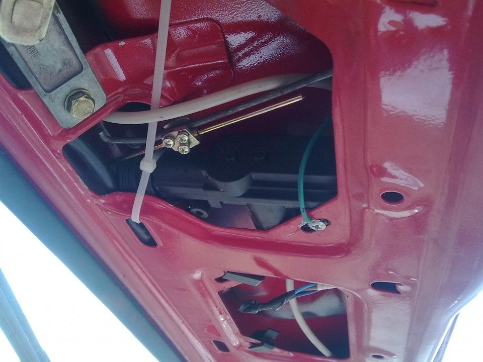 электро замок багажника