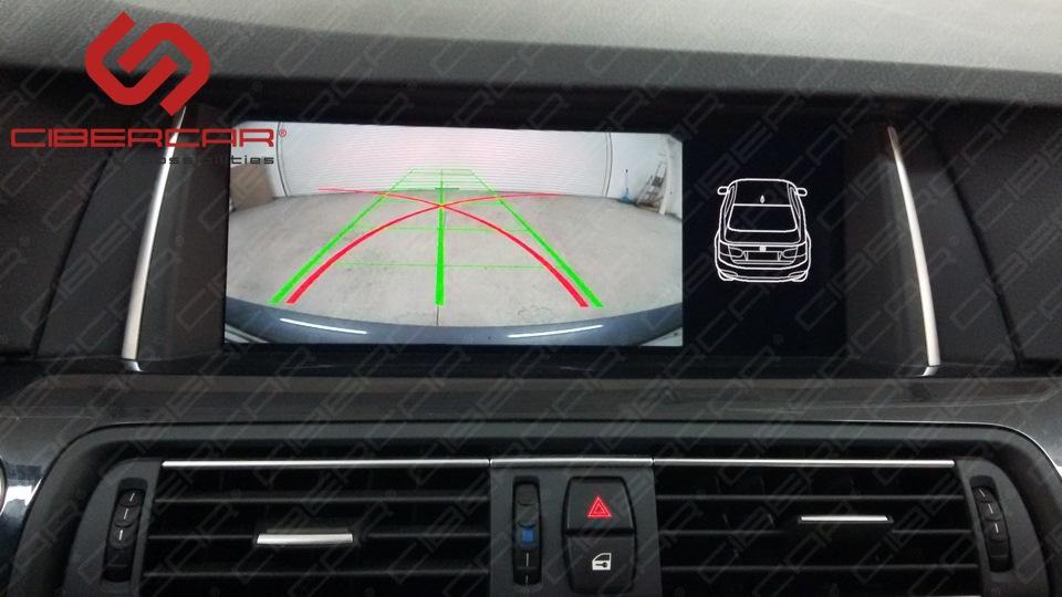 Камера заднего вида в BMW F10 525 xDrive.