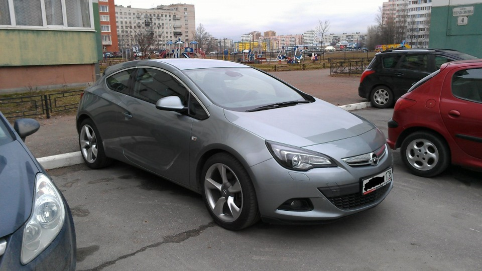 opel astra gtc 1 4t sport silver lake drive2. Black Bedroom Furniture Sets. Home Design Ideas