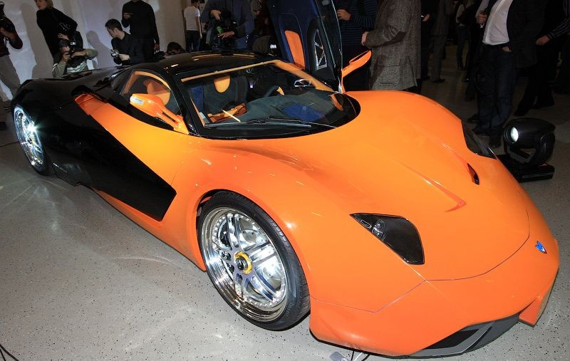 Прототип Marussia B1 на презентации. Разобран.