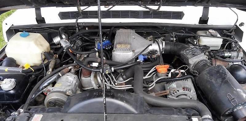 Новым этот мотор выдавал 155 лошадокВ Житомире переделали Range Rover 80-х