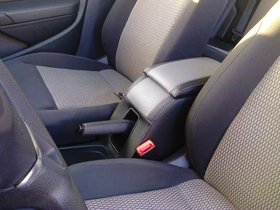 Подлокотник varta в polo sedan (не оригинал) — бортжурнал ZC93