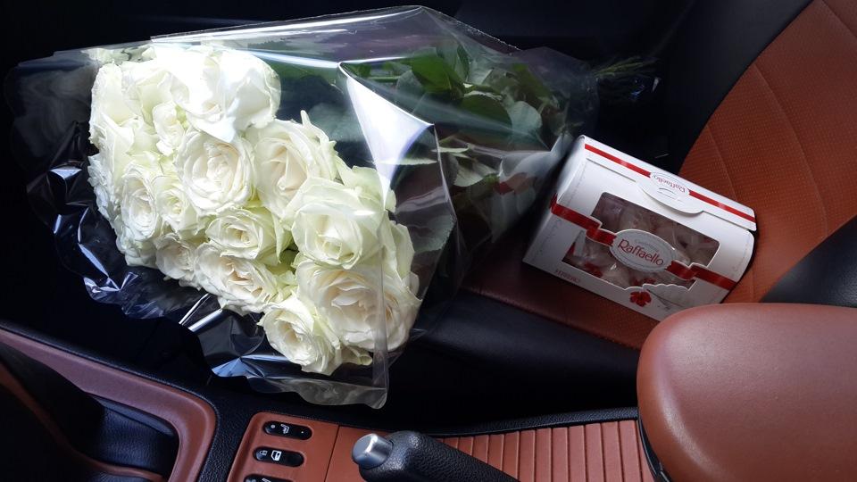 Фото цветы в машине