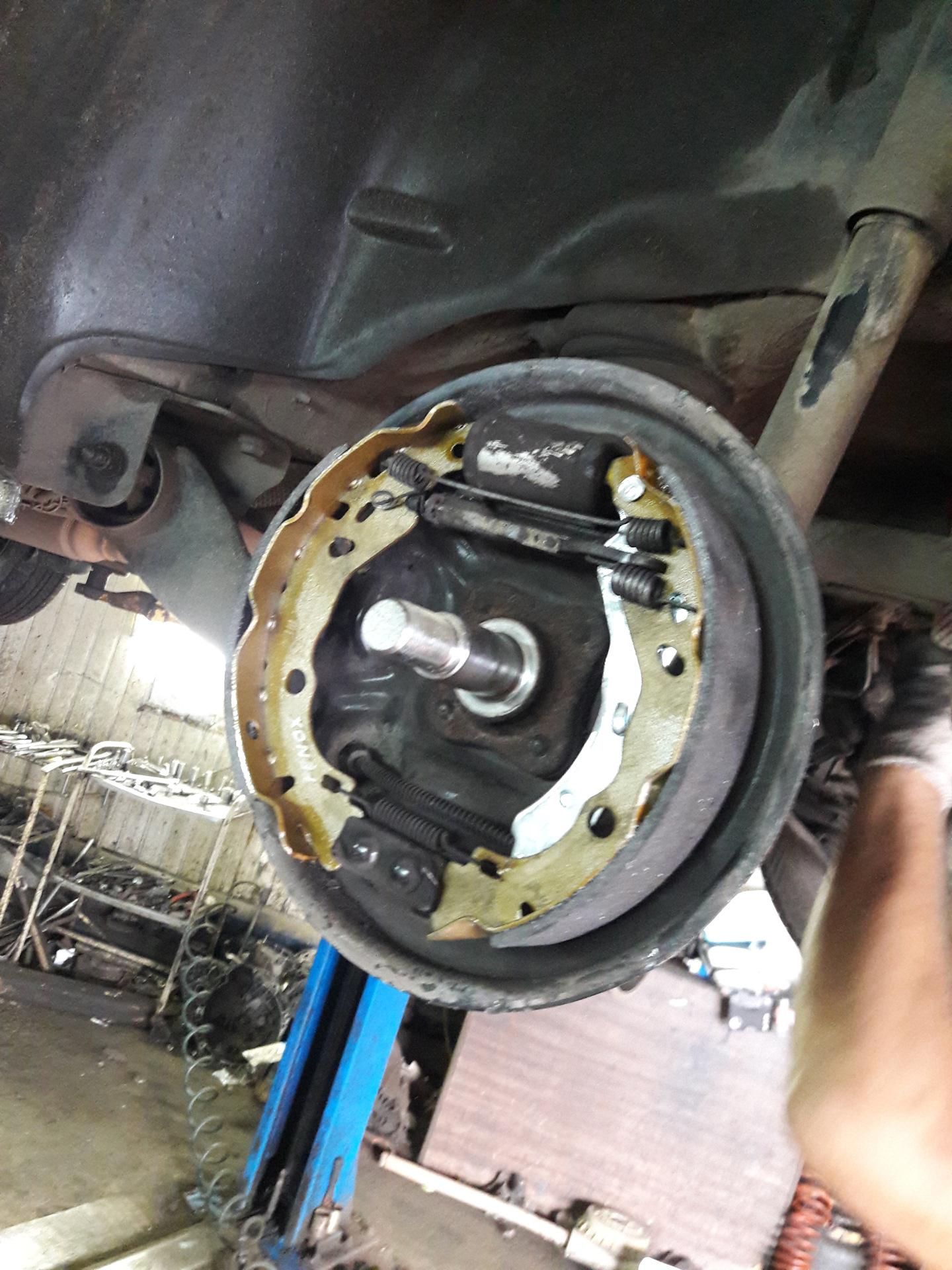 авто рено логан замена тормозных колодок - 4