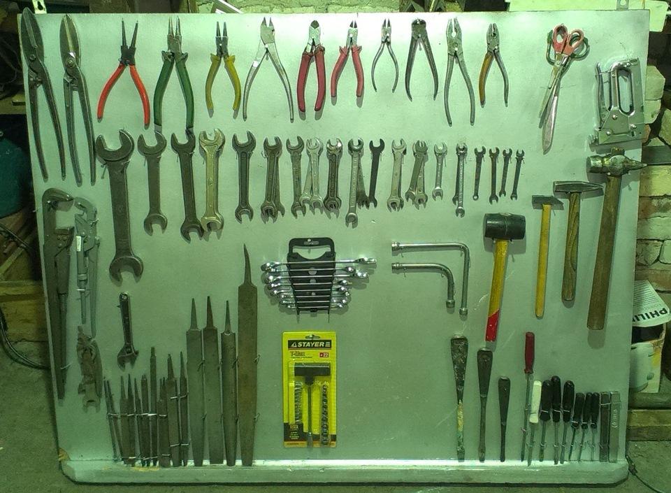 Как сделать щит для инструмента в гараже