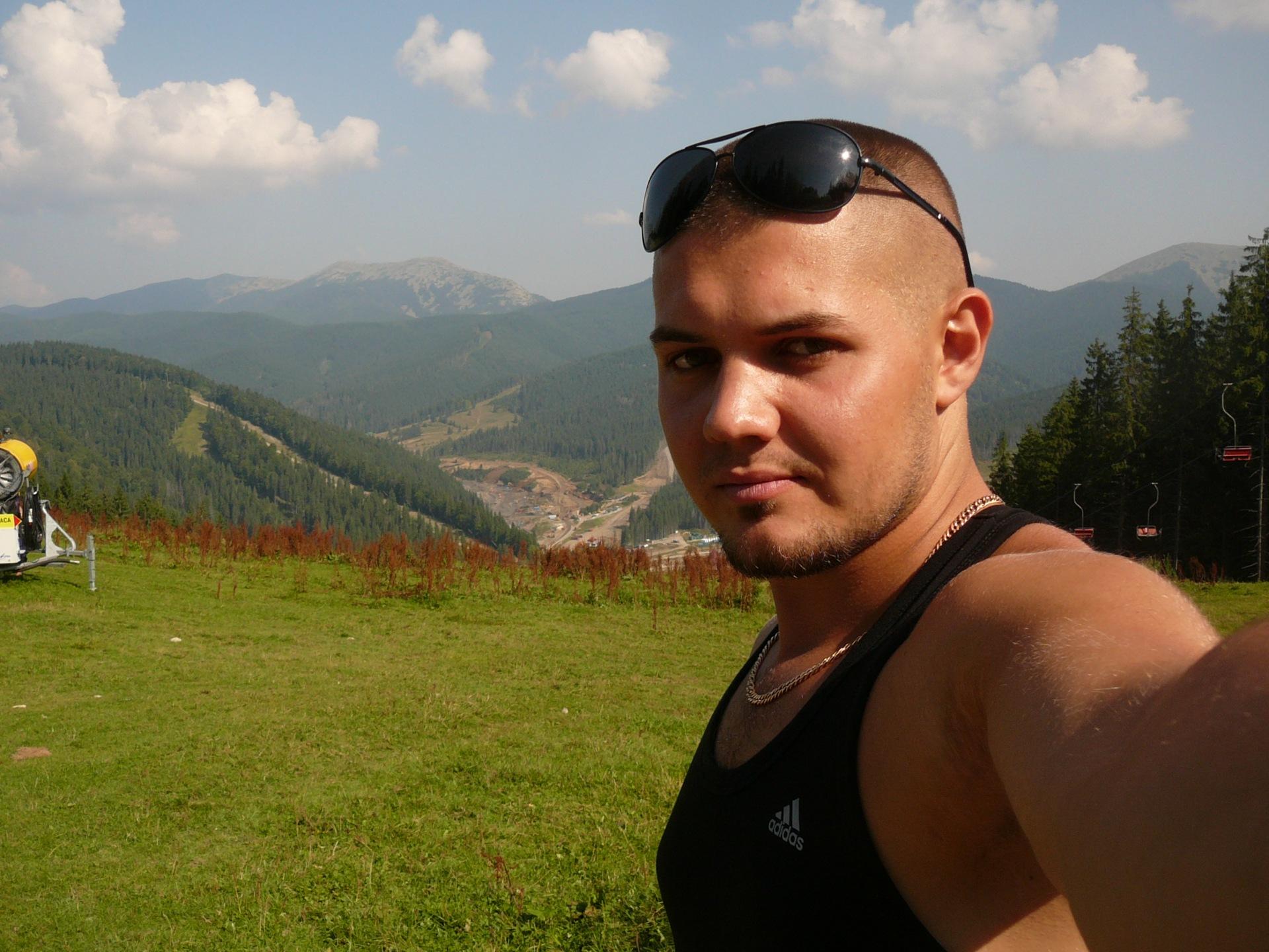 Фото мужчин с сайтов украина