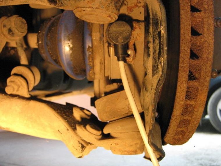 Замена датчика ABS — бортжурнал Toyota Carina E 2.0 GLI ...: https://www.drive2.ru/l/288230376151960522/