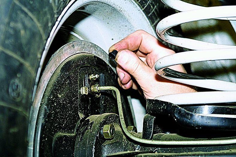 Прокачка тормозов транспортер лекции машиниста конвейера